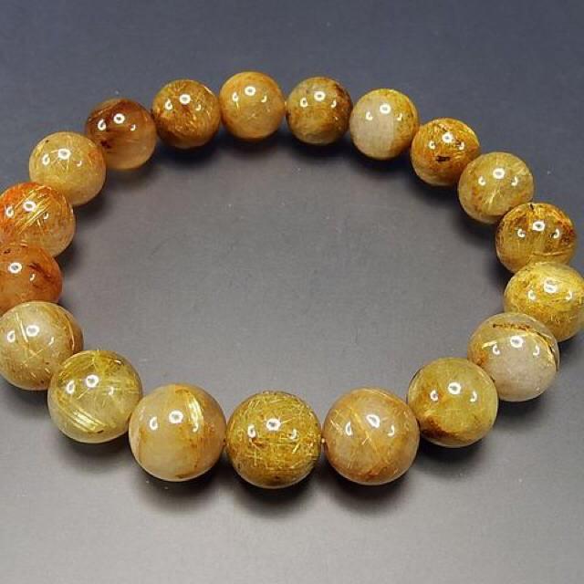 キラキラ金運天然石濃密ゴールドルチルミルキークオーツ約11mm弱ブレスレット石街 メンズのアクセサリー(ブレスレット)の商品写真