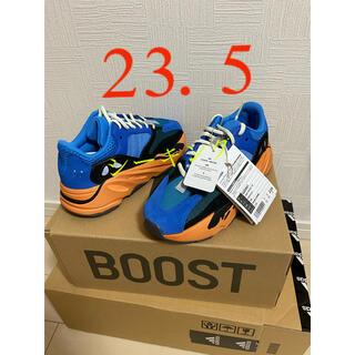 アディダス(adidas)のYEEZY BOOST 700 BRIGHT BLUE 23.5(スニーカー)