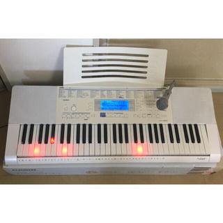 カシオ(CASIO)の【さくら0302's shop様】CASIO 電子キーボード LK-222 (キーボード/シンセサイザー)