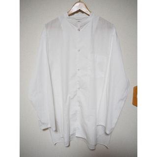 コモリ(COMOLI)の20ss blurhms ブラームス スタンドアップカラーシャツ ホワイト(シャツ)