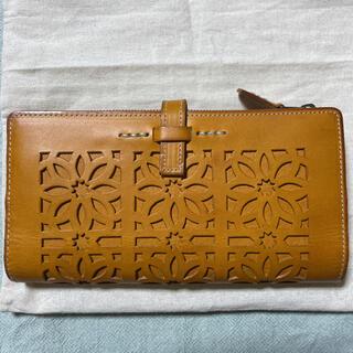 ゲンテン(genten)のgenten カットワーク 長財布 未使用品(財布)