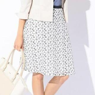 エニィスィス(anySiS)のany SiS 花柄刺繍 スカート(ひざ丈スカート)
