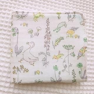 ボンポワン(Bonpoint)のぼっこ様ご専用ページ🌷セオ  ワッフルハンカチ&黄色いお花のまんまるフリル巾着(ハンカチ/バンダナ)