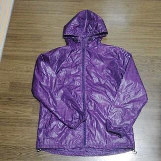 ジーユー(GU)の紫 ウインドブレーカー(ナイロンジャケット)