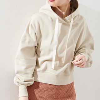 ナチュラルクチュール(natural couture)の新品 natural couture 袖タックグログランリボンショート丈パーカー(パーカー)
