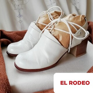 エルロデオ(EL RODEO)の『EL RODEO/エル ロデオ』ナチュラル靴/サンダル/パンプス(22.5)白(サンダル)