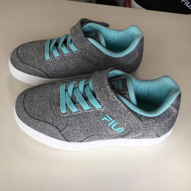FILA(フィラ)の新品FILAスニーカー 18cm キッズ/ベビー/マタニティのキッズ靴/シューズ(15cm~)(スニーカー)の商品写真