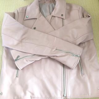 ジーユー(GU)のGU ジャケット 革 Mサイズ ピンク レディース(ライダースジャケット)