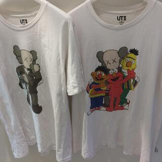 セサミストリート(SESAME STREET)のkaws  Tee  2枚SET UT XL カウズ セサミ(Tシャツ/カットソー(半袖/袖なし))
