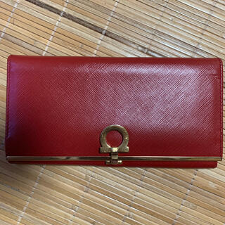 フェラガモ(Ferragamo)のフェラガモ 長財布(赤)(財布)
