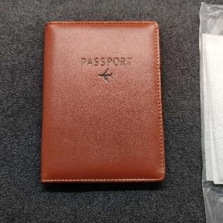 【格安出品】パスポートカバー 新品 革製 ブラウン 茶色 カード収納多数 丈夫(旅行用品)