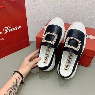 ロジェヴィヴィエ(ROGER VIVIER)の24cmRoger Vivier ファッション 女靴 ローファー 革靴(ローファー/革靴)