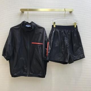 プラダ(PRADA)の【PRADA】上下2点セット-104969(Tシャツ(半袖/袖なし))