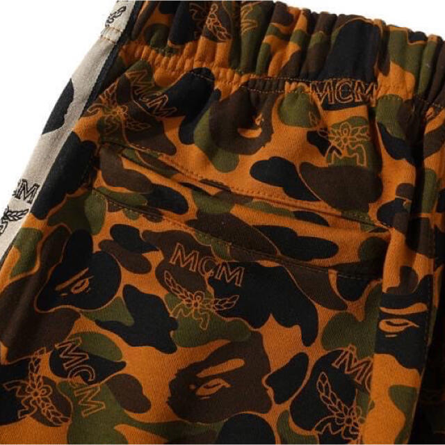 A BATHING APE(アベイシングエイプ)のA bathing ape x MCM コラボ パンツ メンズのパンツ(その他)の商品写真