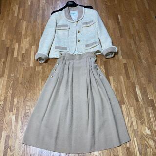 シャネル(CHANEL)のCHANEL スーツ(ハンガー付)(その他ドレス)
