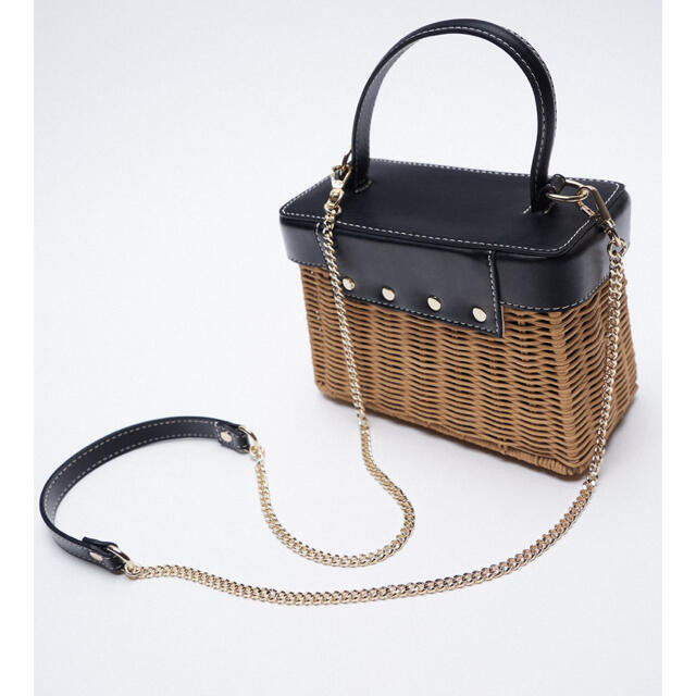 ZARA(ザラ)の新品タグ付き  ZARA ラタン ミノディエールケース カゴバック レディースのバッグ(かごバッグ/ストローバッグ)の商品写真
