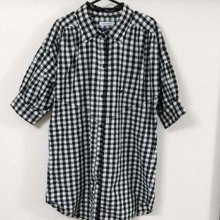アディダス(adidas)のadidasシャツ(シャツ/ブラウス(半袖/袖なし))