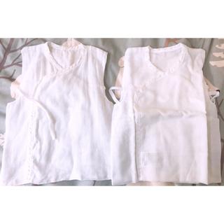 シマムラ(しまむら)のベビー肌着 袖なしタイプ2枚とスタイ 1枚セット(肌着/下着)