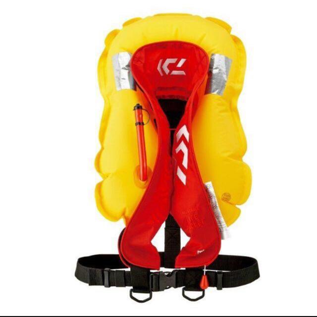 DAIWA(ダイワ)のダイワ DF‐2608 インフレータブルライフジャケット 自動膨脹 スポーツ/アウトドアのフィッシング(ウエア)の商品写真