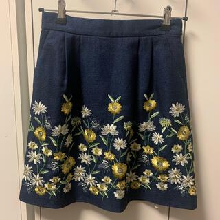 レストローズ(L'EST ROSE)のレストローズ 花柄スカート(ひざ丈スカート)