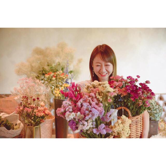 Flomcarnationのカーネーション とそのまま飾れるドライフラワー  ハンドメイドのフラワー/ガーデン(ドライフラワー)の商品写真