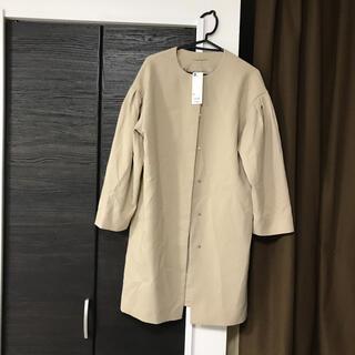 ジーユー(GU)の新品未使用タグ付きジーユーguボリュームスリーブコート着丈97身幅50スプリング(スプリングコート)