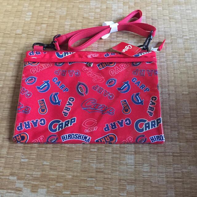 広島東洋カープ(ヒロシマトウヨウカープ)のカープ サコッシュ スポーツ/アウトドアの野球(応援グッズ)の商品写真