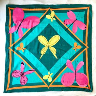 ホコモモラ(Jocomomola)の美品Jocomomola de Sybillaホコモモラ デ シビラ90スカーフ(バンダナ/スカーフ)