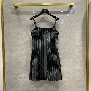 シャネル(CHANEL)のChanel  ロゴの吊りスカート(ミニスカート)