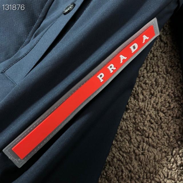 PRADA(プラダ)のプラダ限定グッズメンズファッションジャケット メンズのジャケット/アウター(ナイロンジャケット)の商品写真