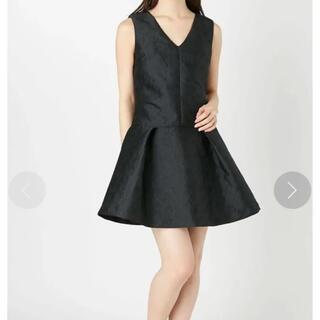 マーキュリーデュオ(MERCURYDUO)のブラックドレス ジャガード素材 JQ深Vネックドレス 14800円(ミニドレス)