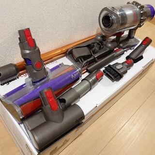 Dyson - ダイソン V10 fluffy コードレスクリーナー サイクロン 掃除機
