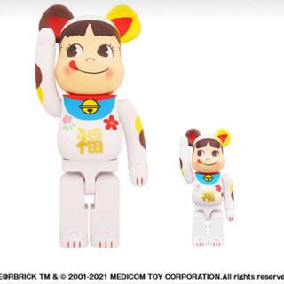 メディコムトイ(MEDICOM TOY)のBE@RBRICK 招き猫 ペコちゃん 福 100% & 400% ベアブリック(キャラクターグッズ)
