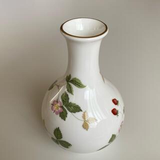 ウェッジウッド(WEDGWOOD)のウェッジウッド ワイルドストロベリー 一輪挿し(花瓶)