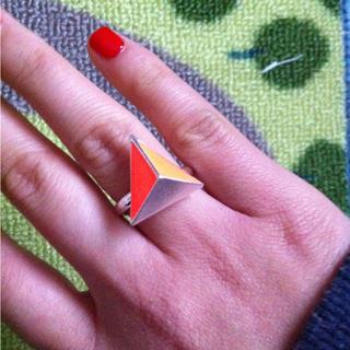スピンズ(SPINNS)の蛍光オレンジ♥三角リング(リング(指輪))