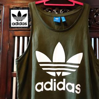 アディダス(adidas)のアディダス オリジナルス カーキ ビッグロゴ タンクトップ Tシャツ トップス (タンクトップ)