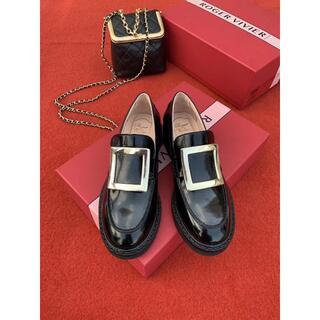 ロジェヴィヴィエ(ROGER VIVIER)の【ROGER VIVIER】革靴(ローファー/革靴)