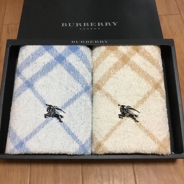 BURBERRY(バーバリー)の新品未使用 BURBERRY バーバリー フェイスタオル 2枚セット インテリア/住まい/日用品の日用品/生活雑貨/旅行(タオル/バス用品)の商品写真