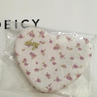 デイシー♡花柄 ハート型 ポーチ ホワイト ノベルティー♡未使用品♡