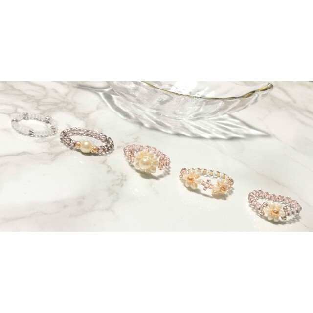 \人気のミルクティーカラー♡/韓国風 フラワーリング ビーズ 5点セット ハンドメイドのアクセサリー(リング)の商品写真
