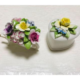 ロイヤルドルトン(Royal Doulton)のロイヤルドルトン  陶花 花籠と小物入れ 2点(置物)