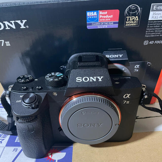 ソニー(SONY)のSONY a7iii ソニー a7III ミラーレス 一眼レフ カメラ(ミラーレス一眼)
