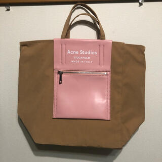 ACNE - acne studious トートバッグ