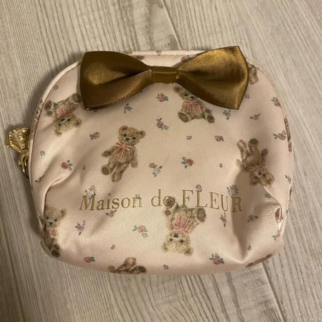 Maison de FLEUR(メゾンドフルール)のメゾンドフルール  Maison de FLEUR ベアー ティッシュポーチ レディースのファッション小物(ポーチ)の商品写真