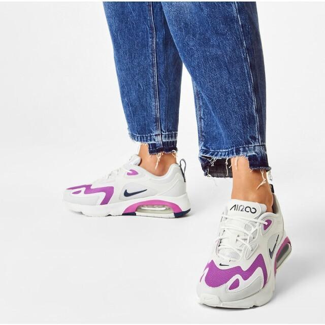 NIKE(ナイキ)の定13200円!Web限定ホワイト!ナイキエアマックス200新品スニーカー レディースの靴/シューズ(スニーカー)の商品写真
