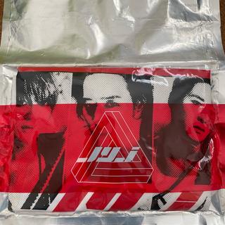 JYJ - 超レア‼️ 東方神起 JYJ Tシャツジェジュンユチョンジュンス本人写真付き