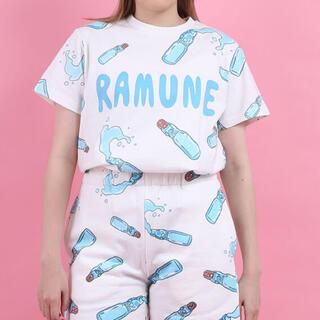 プニュズ(PUNYUS)の新品未使用 PUNYUS ラムネ総柄半袖Tシャツ 3 WEGO スピンズ 原宿(Tシャツ(半袖/袖なし))
