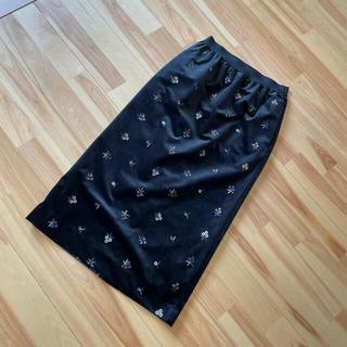 イエナスローブ(IENA SLOBE)の新品未使用 SLOBE IENA 刺繍ベルベットスカート(ロングスカート)