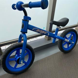 トイザラス(トイザらス)のストライダー AVIGOトレーニングバイク EVAタイヤ ブルー(三輪車/乗り物)