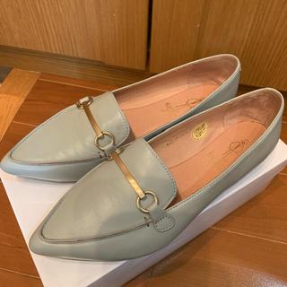 アシナガオジサン(あしながおじさん)の美品 あしながおじさん 24.0  グレーフラットパンプス (ローファー/革靴)